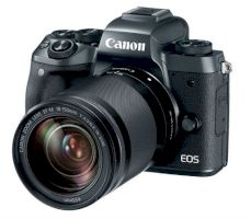 Фотоаппарат Canon EOS M5 15-45 IS STM Kit